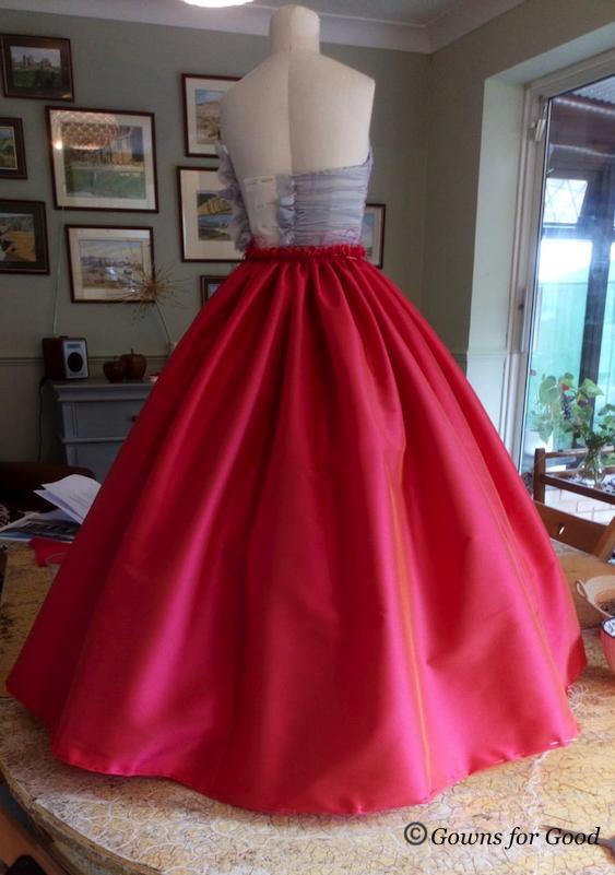 1954 Vogue evening chiffon dress robe de soirée mousseline années 50 1950 jupon petticaot