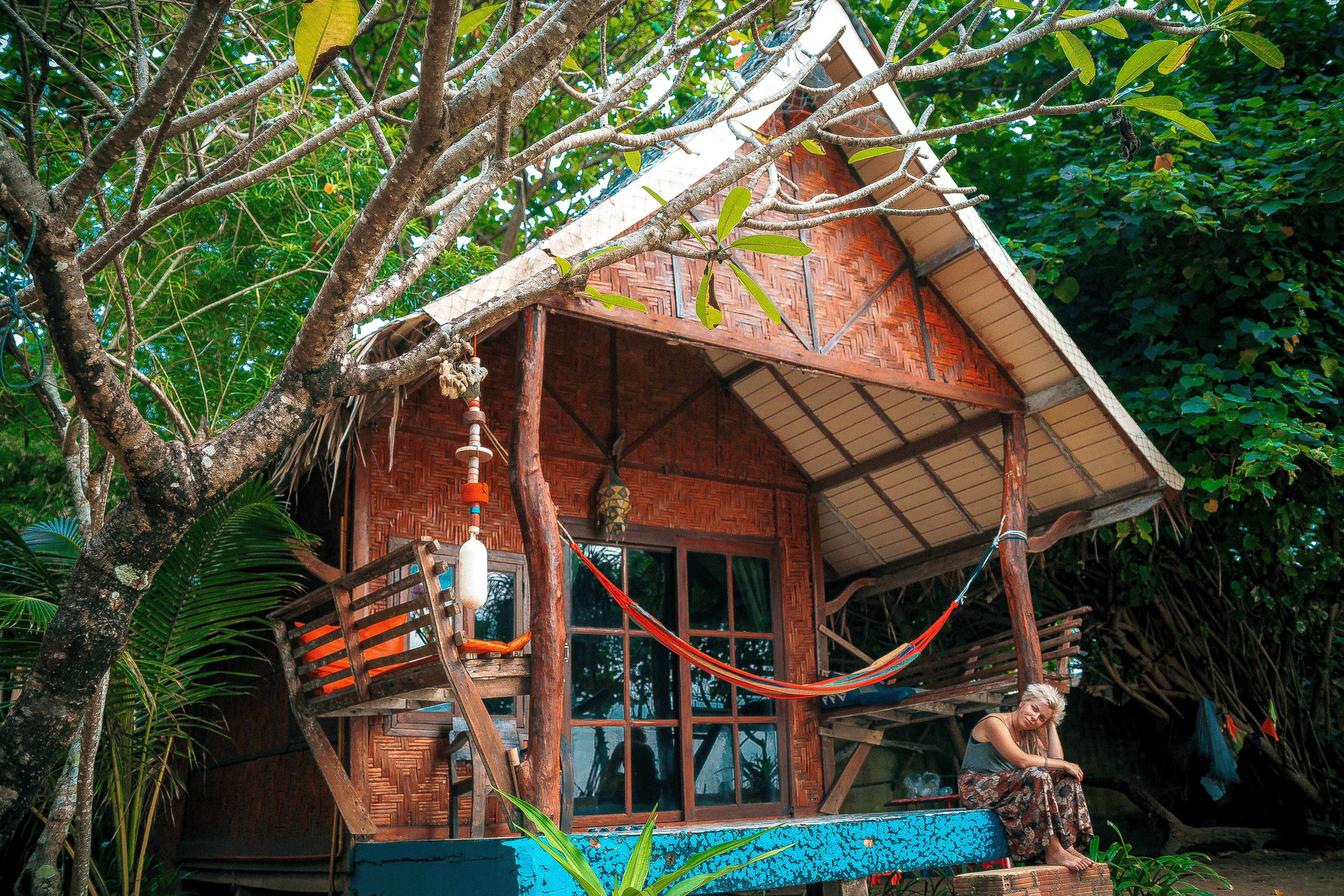 watcing magical sunset in koh lanta beach life vitamin sea drinking healthy smoothies bungalow next to the beach hammock