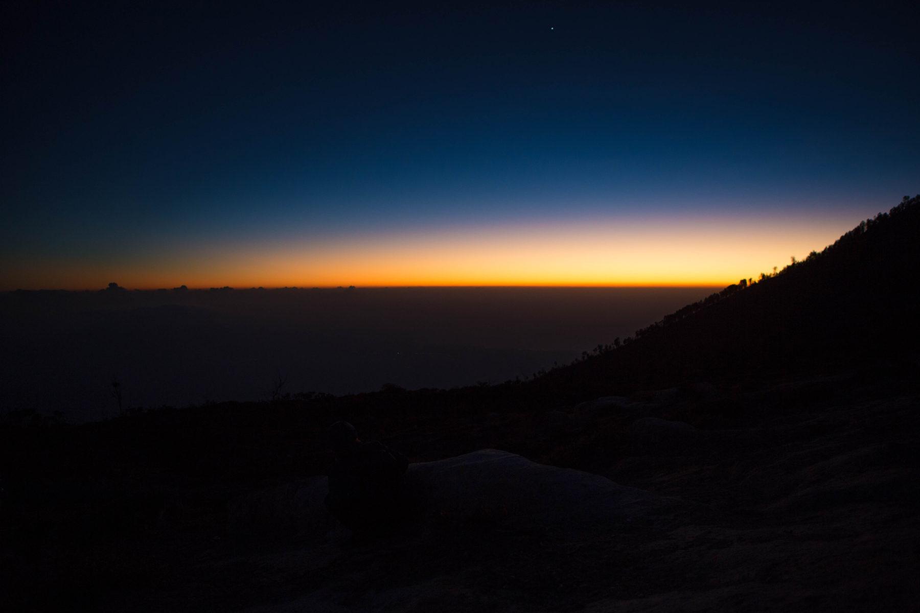 kawah ijen east java sulphur crater lake sunrise hike up blue lagoon