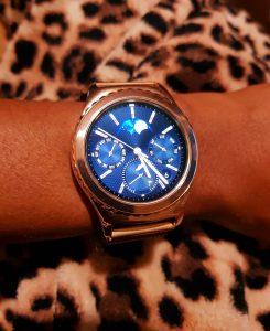 Samsung S2 Classic on my wrist
