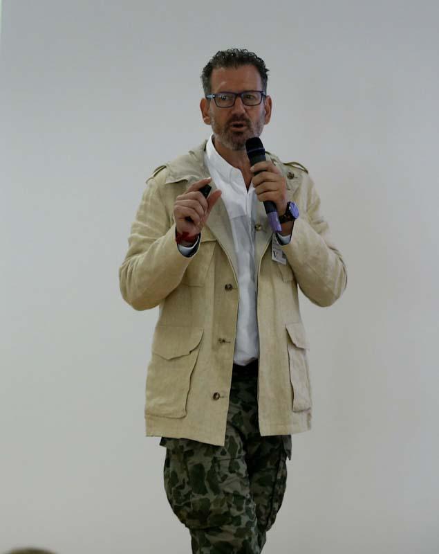 julio de la iglesia, charla en PSA Groupe España