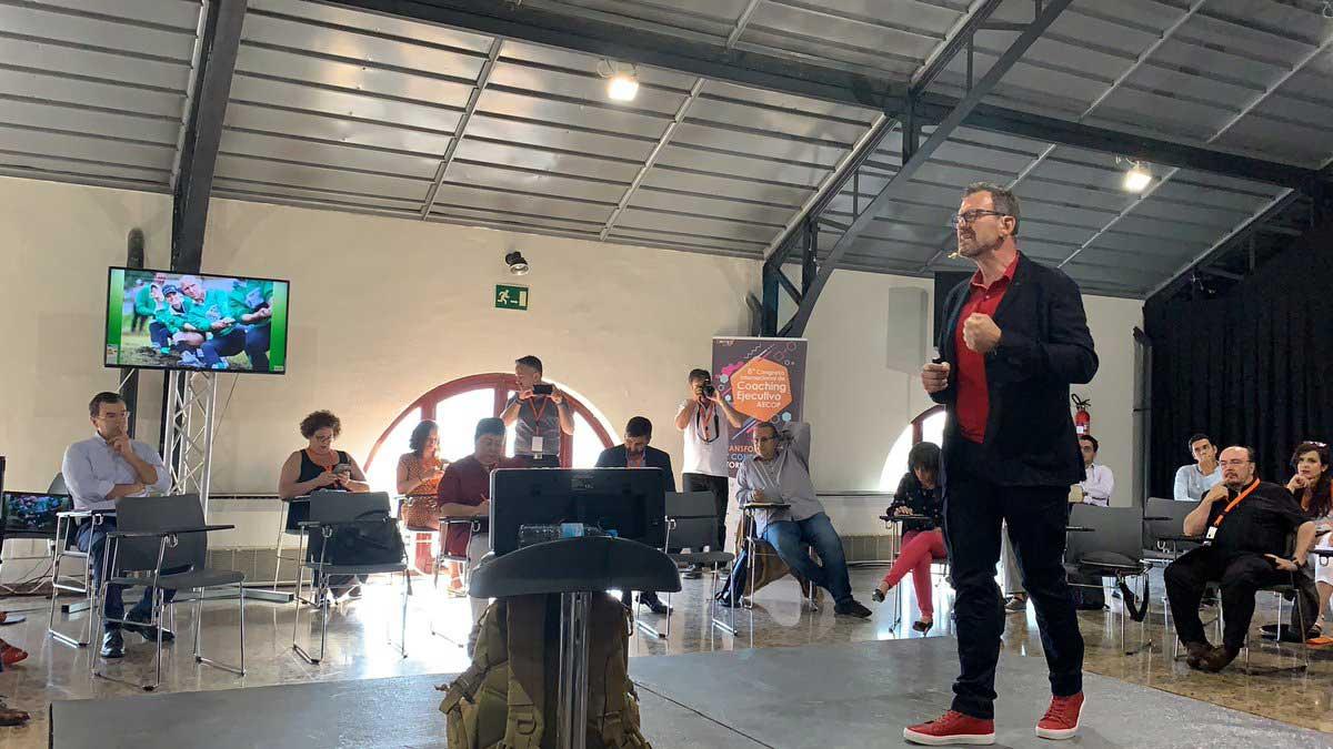 Ponencia de Julio de la Iglesia en Congreso Internacional de Coaching Ejecutivo AECOP 4