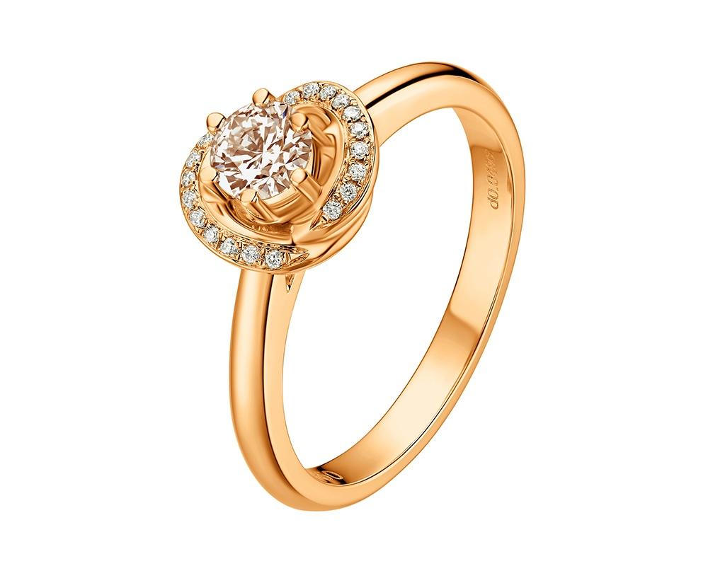 Fei's award-winning bridal design, Aurora.