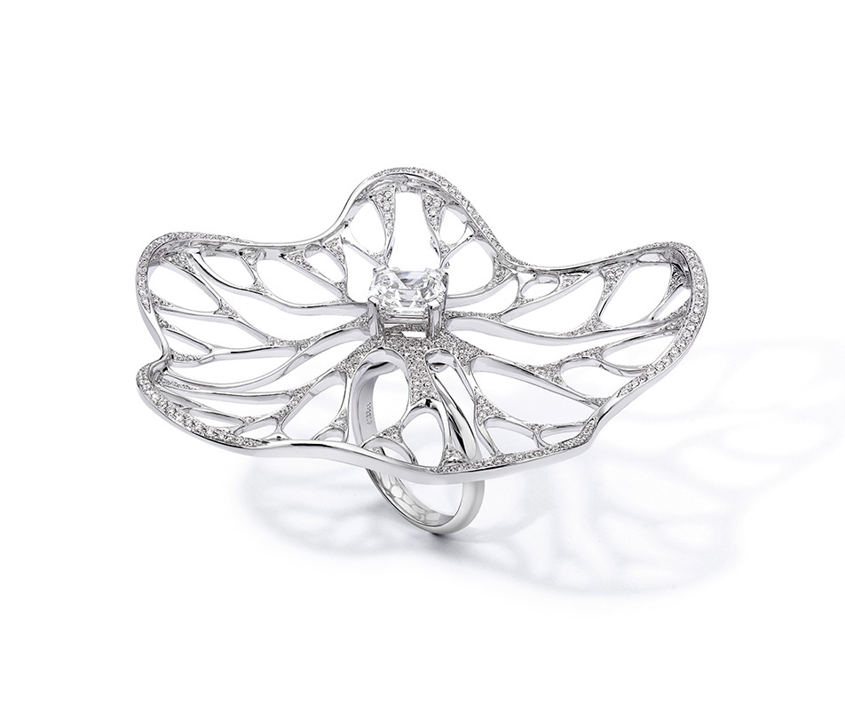 Fei Liu Allure Ring in platinum - winner of The Lonmin Design Innovation Award 2011