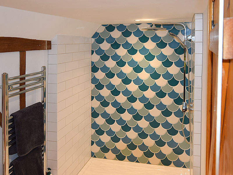 Modernised en suite and bathroom, Hadleigh