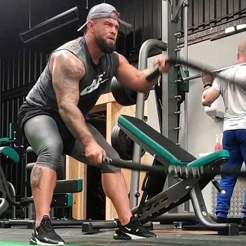 Ryan-Hall-is-a-personal-trainer-at-Thrive-Gym-1