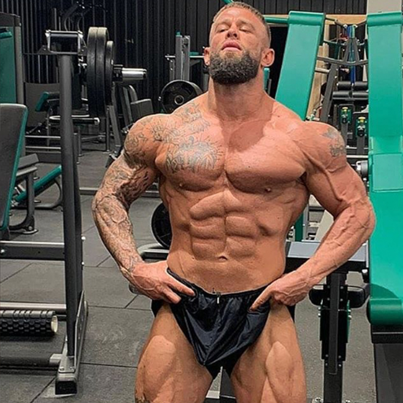 Ryan-Hall-is-a-personal-trainer-at-Thrive-Gym-2