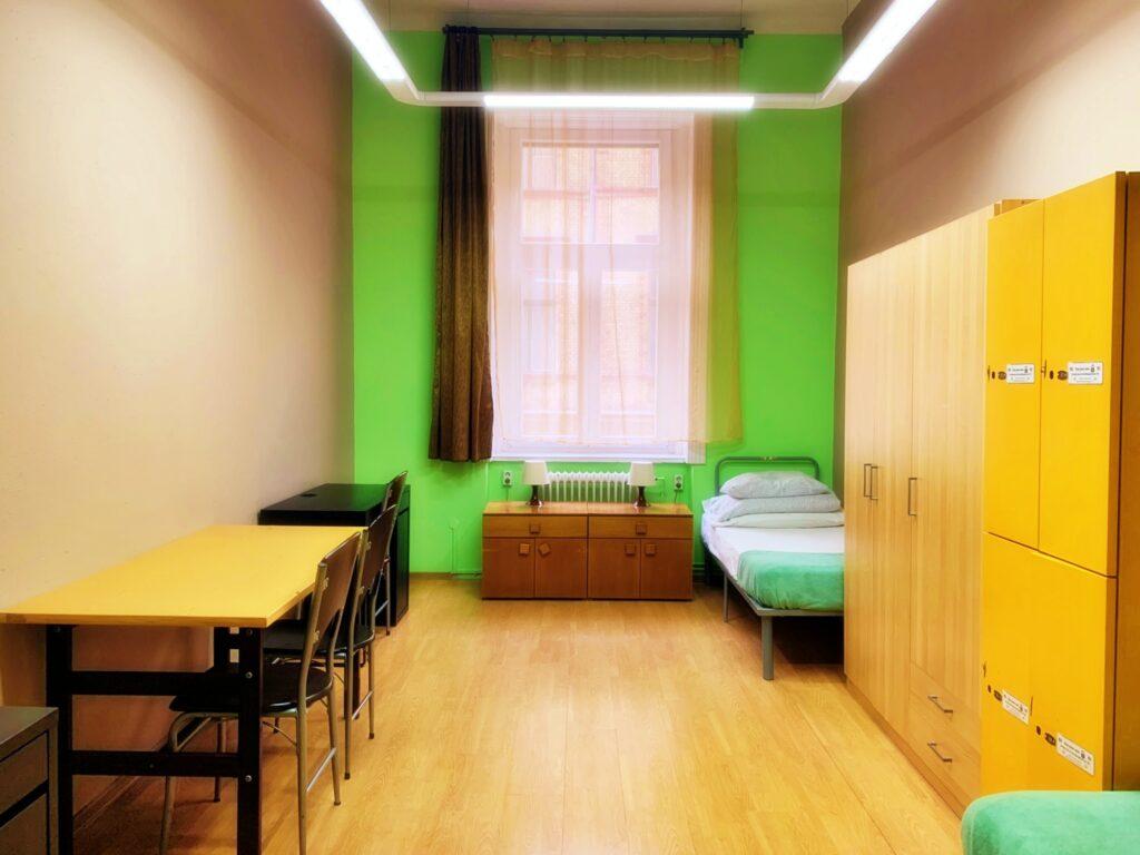 Room 176 (twin)