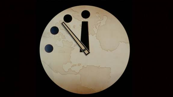 doomsday clock stuck at 100 seconds to midnight