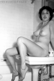Unknown-1950s-Woman-05-1280
