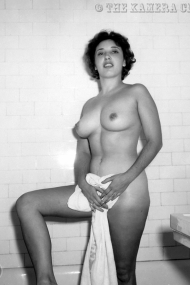 Unknown-1950s-Woman-07-1280