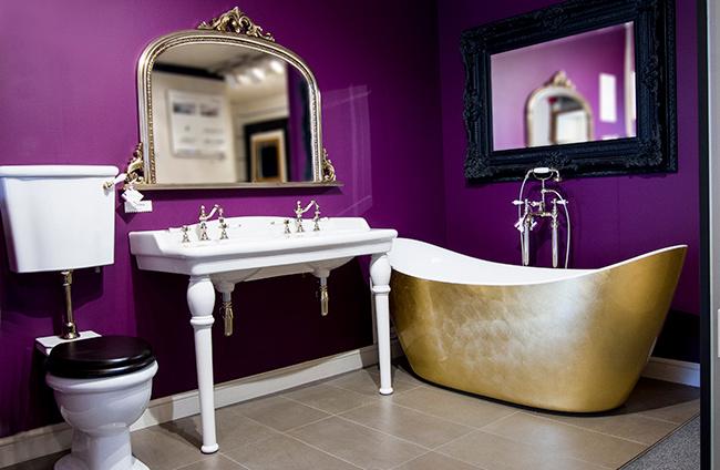 Traditional Style Bathroom Basin
