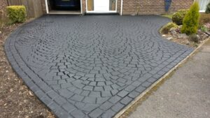 Charcoal European Fan Cobble Printed Concrete Driveway