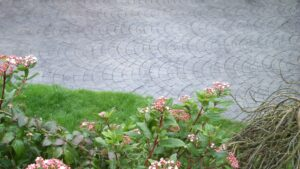 Platinum Grey European Fan Cobble Printed Concrete Driveway