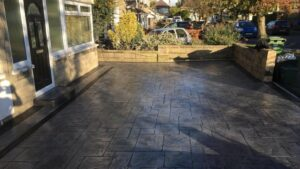 Printed Concrete Driveway in Platinum Grey Grand Ashlar with Charcoal Release