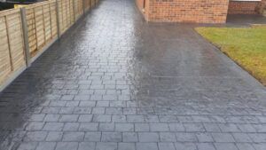 Steel Grey London Cobble Printed Concrete Driveway in Bristol (Freshly Sealed)