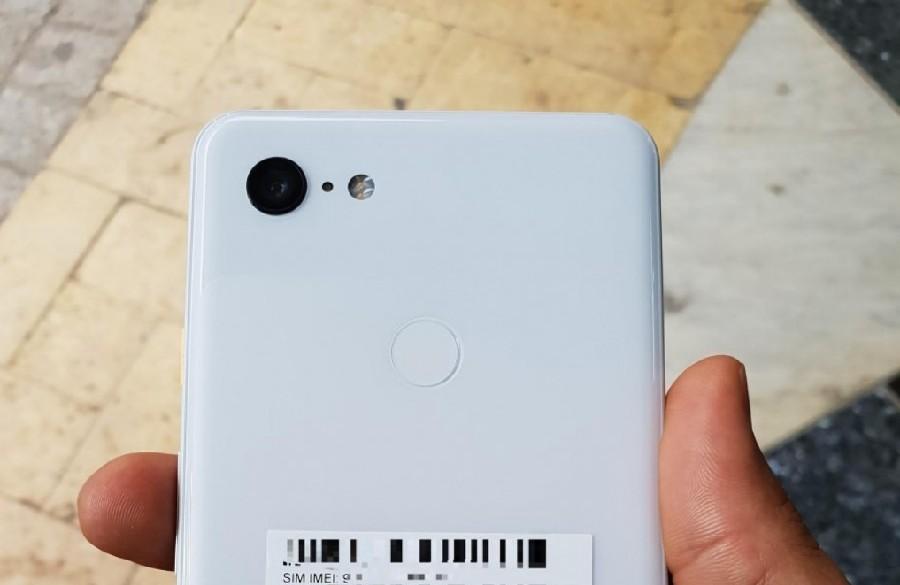 صورة تسريبات| جوجل Pixel 3XL باللون الأبيض يبتسم للكاميرا