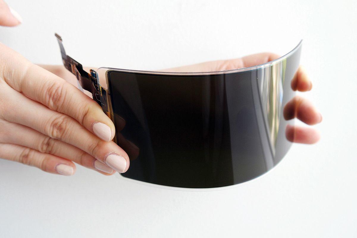 صورة سامسونج تعلن عن شاشات OLED غير قابلة للكسر