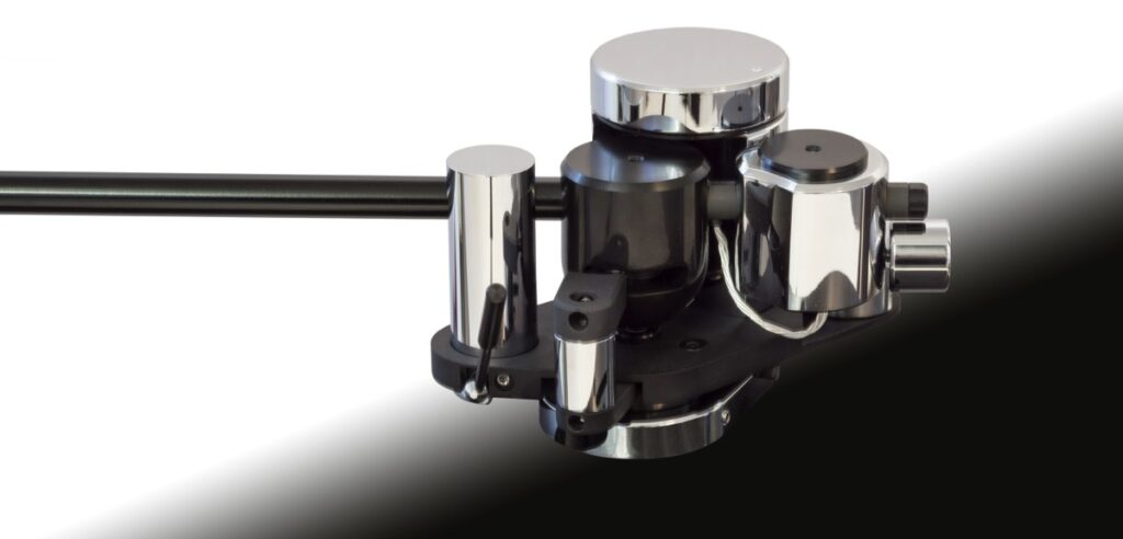 Primary Control Field Coil Loaded (FCL) tonearm
