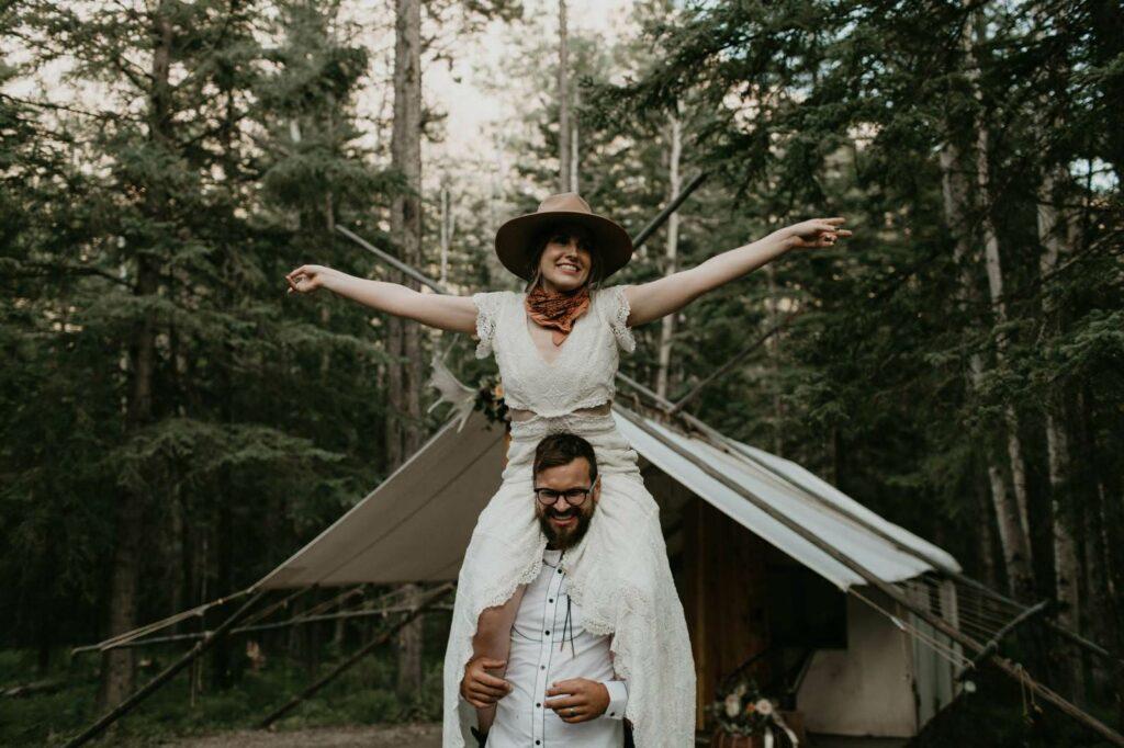 wedding couple love boho hippie photography the wandererlove session boho hippie Canada
