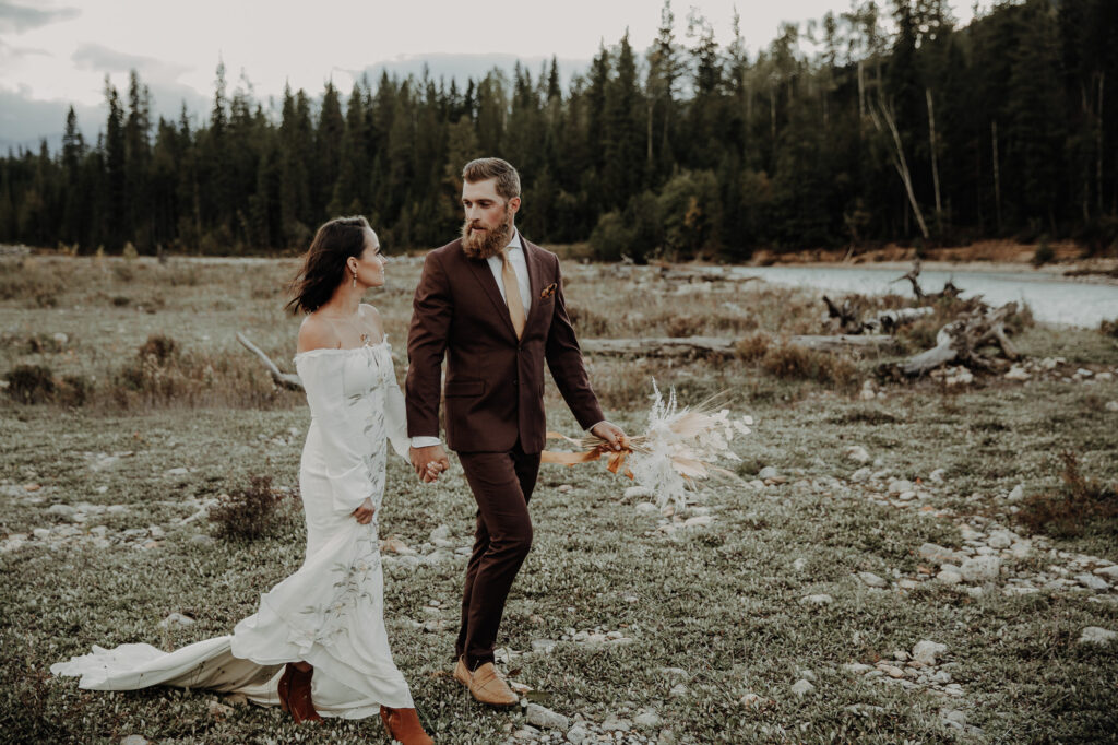 Romantic elopement in the mountains of Banff, Alberta 6