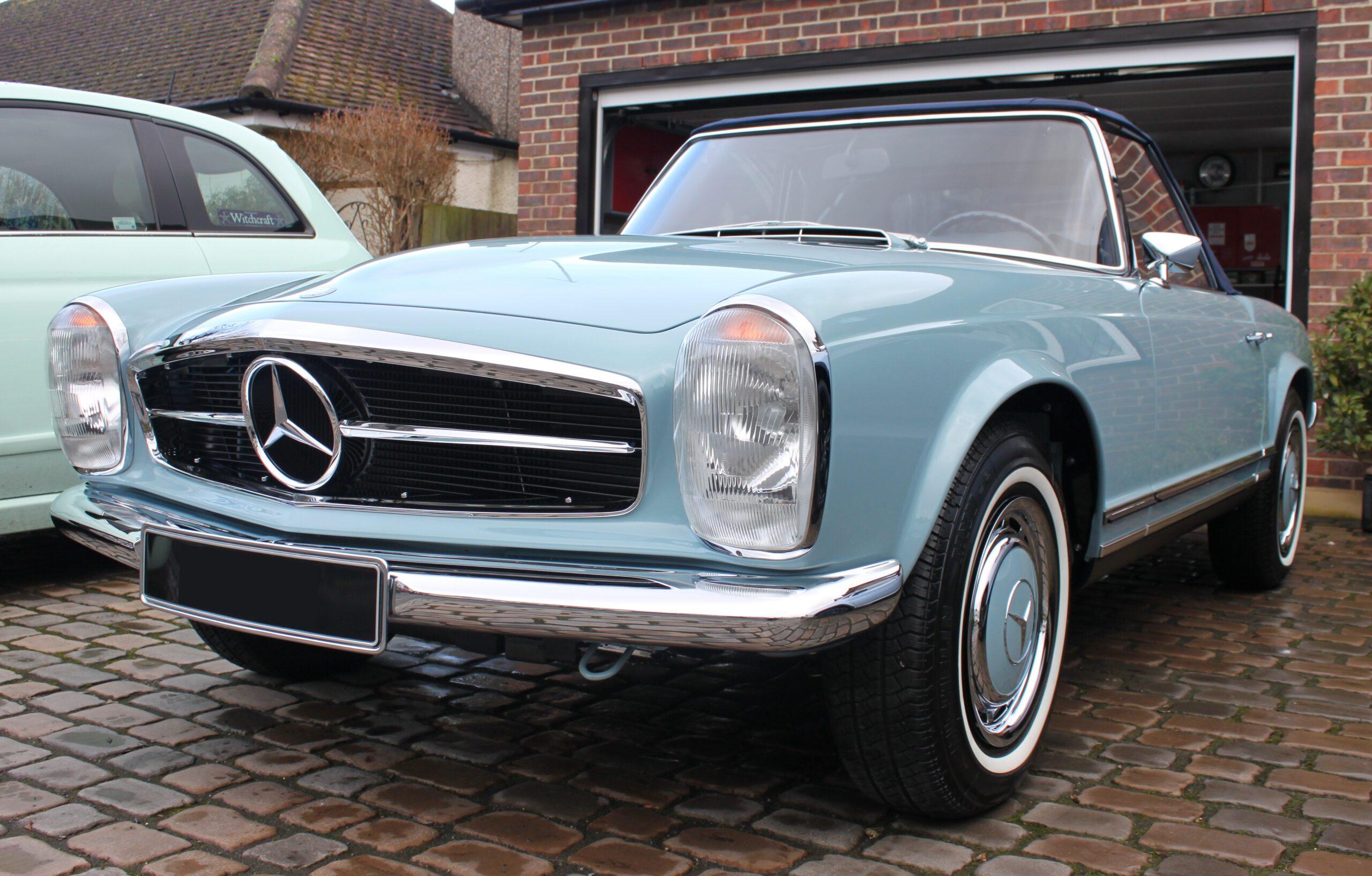 Mercedes 280SL detailing