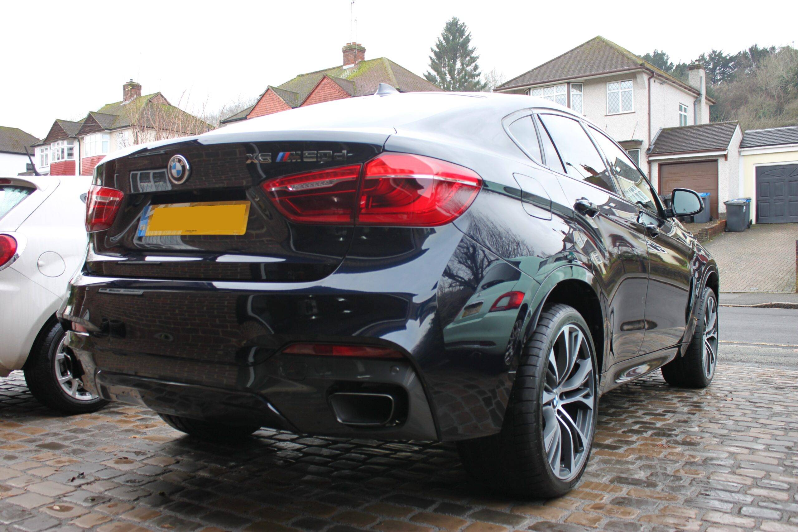 BMW X6 New car detail