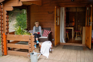 The deck outside our Valley View log cabin.
