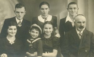 The Blajberg family 1938 Standing: Mayer, Lola, and Yerachmiel  Sitting: Hanna, Hilusz, Mindla and Salomon