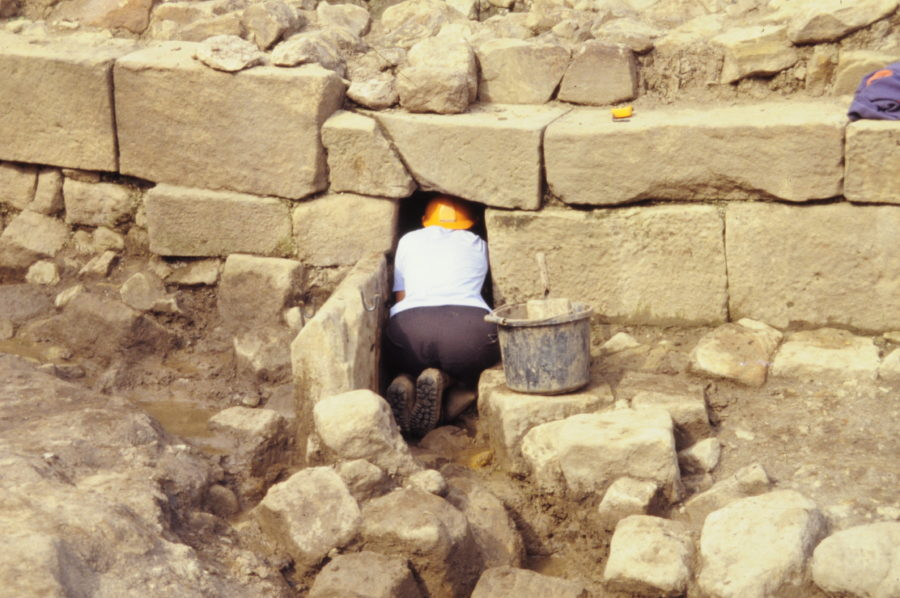 Archaeological report on findings from Roman fort at Hadrian's Wall