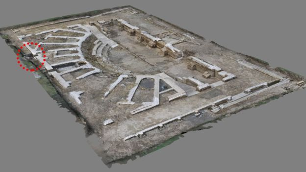 The sundial was discovered in a roofed theatre in the ancient town of Interamna Lirenas