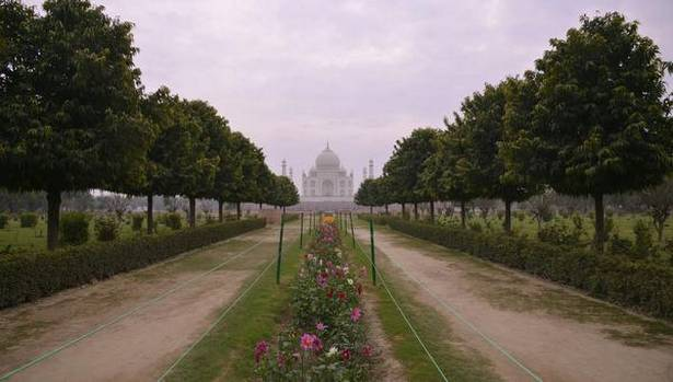 Mehtab Bagh with the Taj Mahal emerging at the far end.