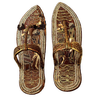 A pair of golden sandals found in King Tutankhamun's tomb that shows how Egyptian sandals were made