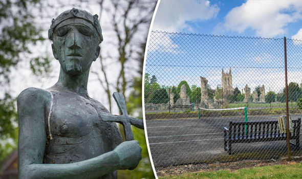 Plans for tennis court to be dug up to search for remains of Saxon King.