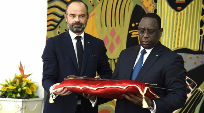 France Returns to Senegal an 18th-Century Saber That It Looted During the Colonial Period