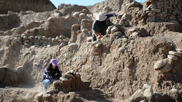 Archaeologists unearth ancient settlement dating back 11,800 years in Turkey
