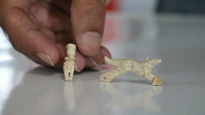 1,600-Year-Old Bone Pendants Discovered in Turkey