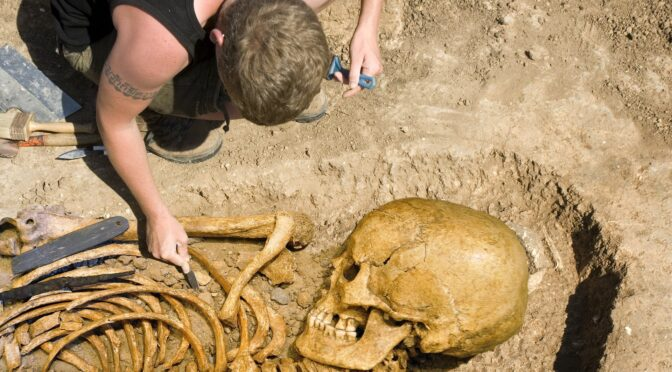The Mystery behind the 18 Giant Skeletons found in the USA