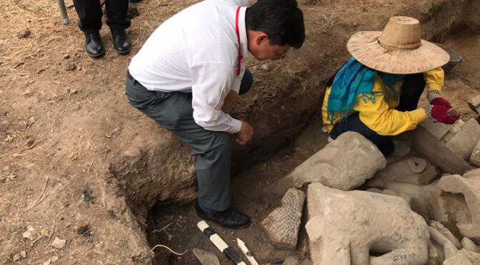 21 Buddha Statues Found Buried in Angkor Wat Area