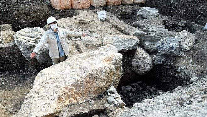 Massive Stones Unearthed in Shogun's Garden in Central Japan