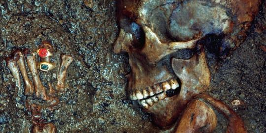 The skeleton of this women was buried with a treasure of jewels