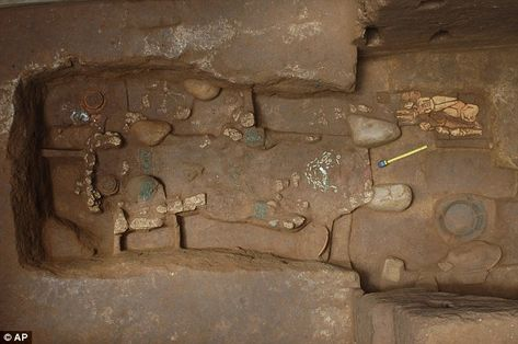 Grave of the king who laid foundations for Mayan civilization in 700 B.C. unearthed