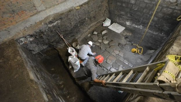 Ancient Aztec palace unearthed in Mexico City