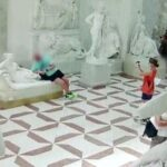Tourist Damages A Valuable Italian Sculpture And Just Walks Away
