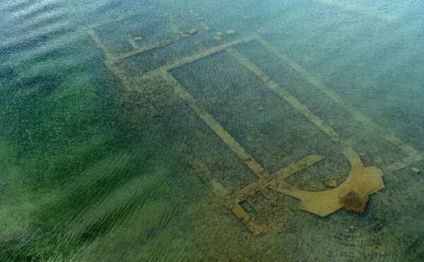 A 1,600-year-old basilica re-emerged due to the withdrawal of waters from lake iznik