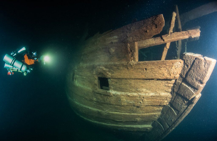 A well-preserved 400-year old ship has been found in the Baltic Sea