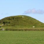 5,000-year-old Neolithic Passage Tomb Studied in Scotland