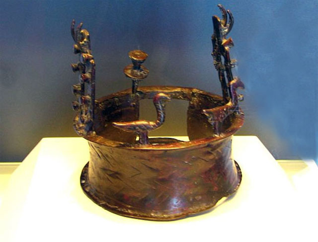 The 6,000-year-old Crown found in Dead Sea Cave