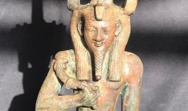 2,500-Year-Old Bronze Statue Found at Saqqara