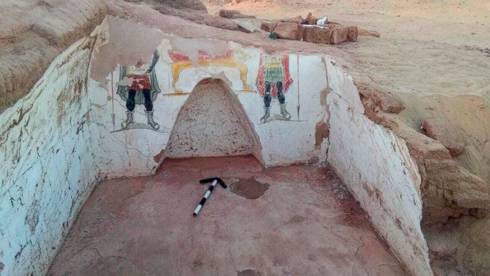 Archaeologists find Rome-era tombs in Egypt's the Western Desert